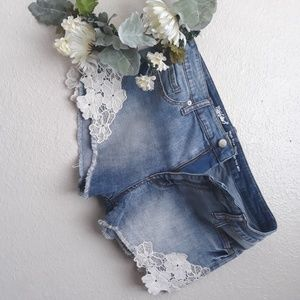 MOSSIMO DENIM HIGH RISE SHORT